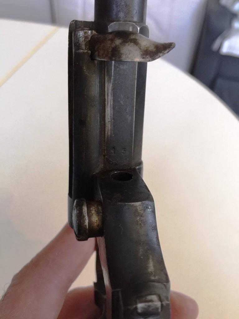 Revolver mle 1874 civil, fabrication belge: numéro d'atelier sous le canon