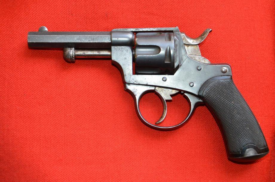 Revolver 1874 civil en calibre 320, fabrication Chamelot et Delvigne, vue de gauche