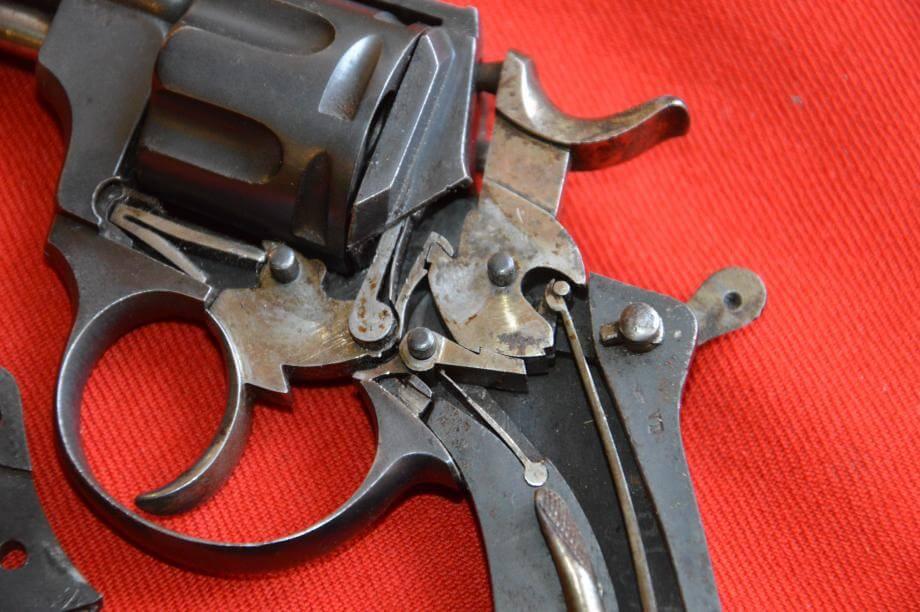 Revolver 1874 civil en calibre 320, fabrication Chamelot et Delvigne, détail du mécanisme