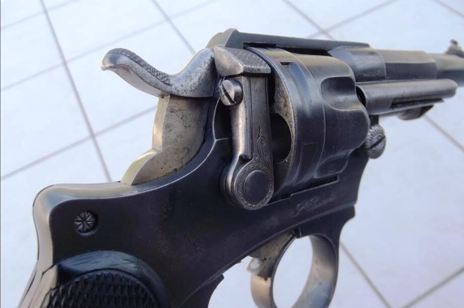 Revolver 1874 civil gravé