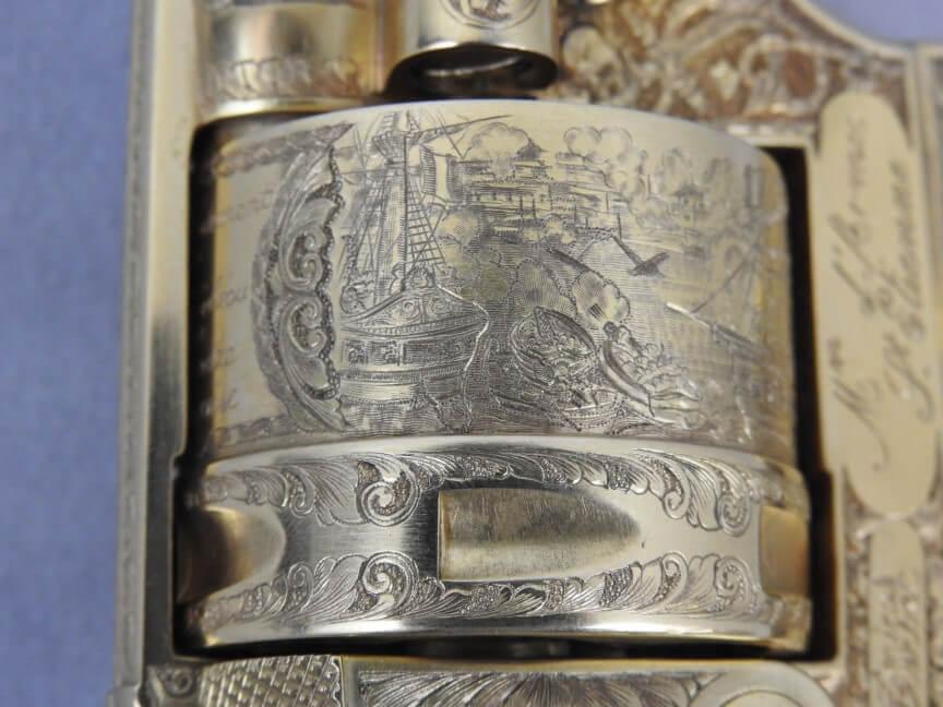Révolver réglementaire modèle 1873 Chamelot-Delvigne commémoratif de la seconde expédition du Tonkin (1881-1885) gravé et doré