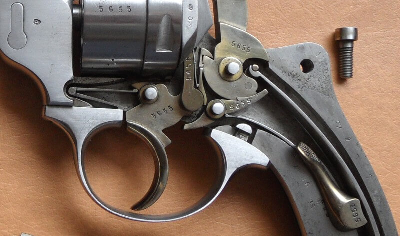 Revolver 1873 de marine 12mm: mécanisme et marquage