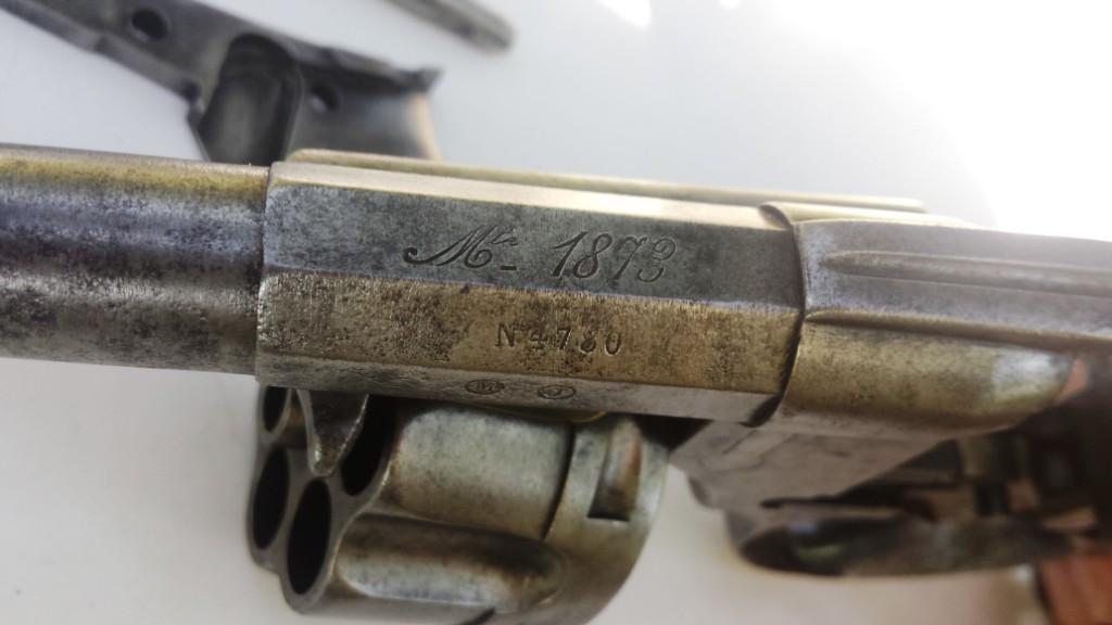 Marquages sur le canon du revolver mle 1874: Mle 1873 et numéro de série