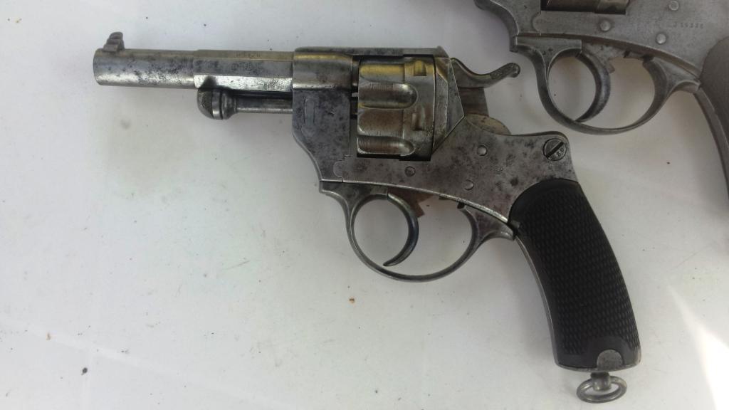 Revolver modèle 1874 vu de gauche