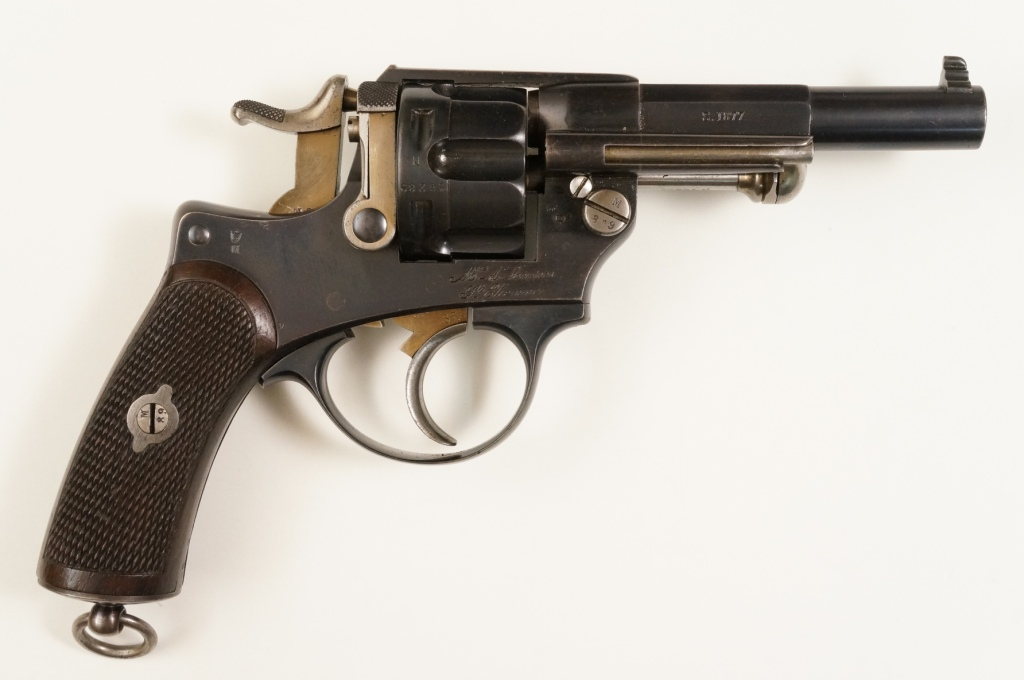 Revolver d'ordonnance modèle 1874 vu de droite