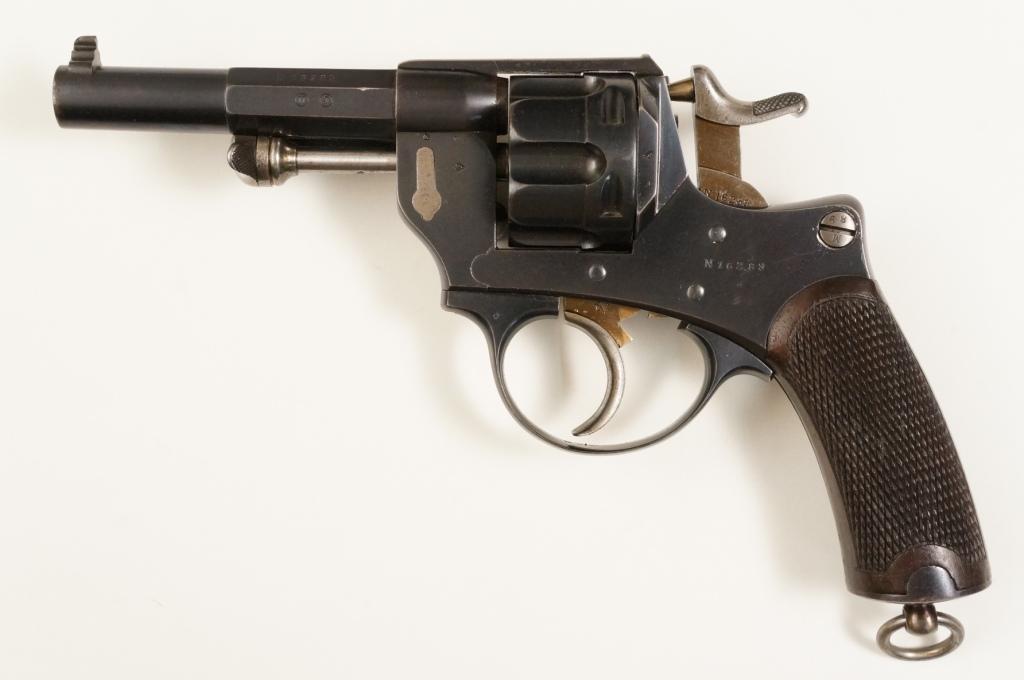 Revolver d'ordonnance modèle 1874 vu de gauche