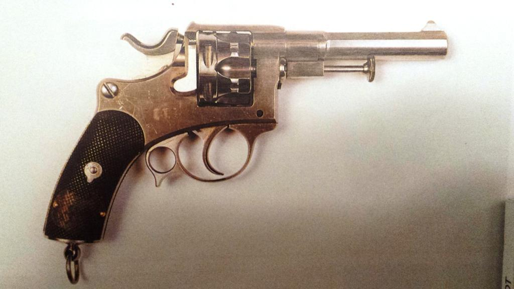 Revolver modèle 1885 numéro 1, musée de la MAS