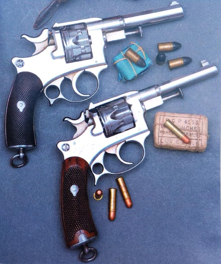 Comparaison entre les Revolvers d'ordonnance modèles 1885 et 1887