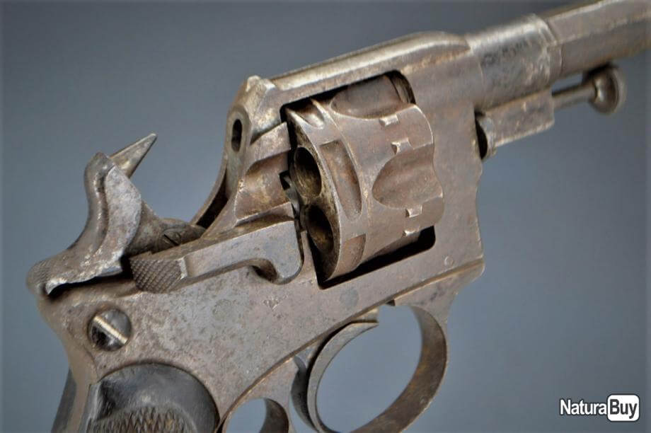 Revolver d'essai modèle 1885