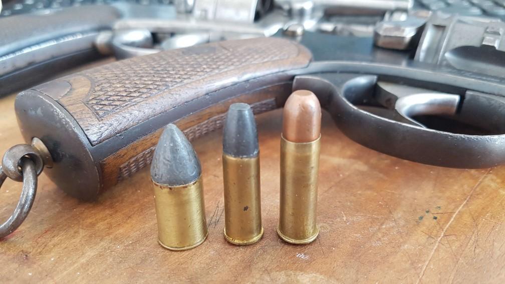 Comparaison des cartouches de 11mm73, 8mm non réglementaire et 8mm92