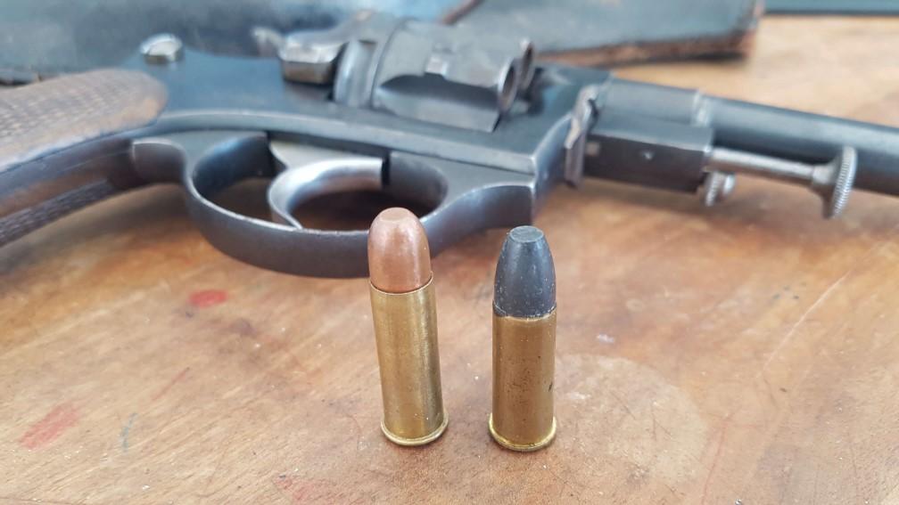 Comparaison cartouche de 8mm92 et 8mm non réglementaire de la SFM