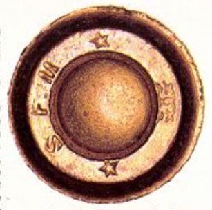 Culot d'une cartouche 8mm non réglementaire, fabriquée par la SFM