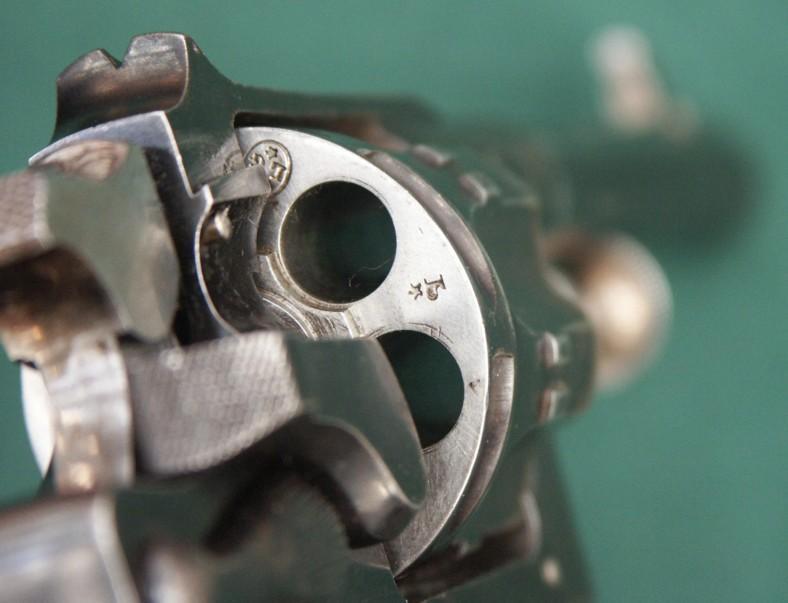 Revolver 1889/90 de fabrication civile Liègeoise: poinçons Belges