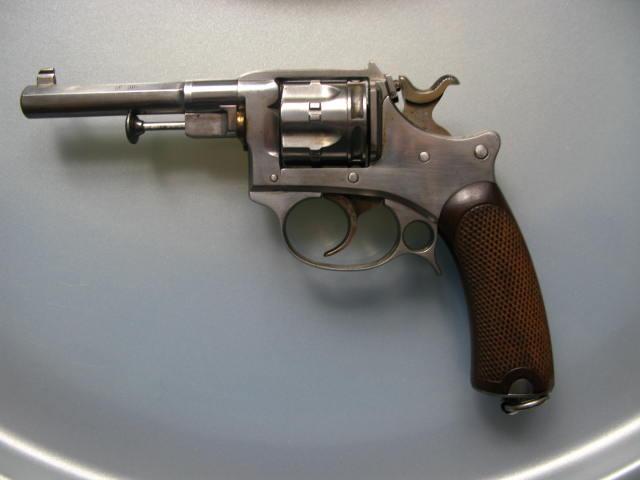 Revolver d'ordonnance modèle 1887 contrat militaire