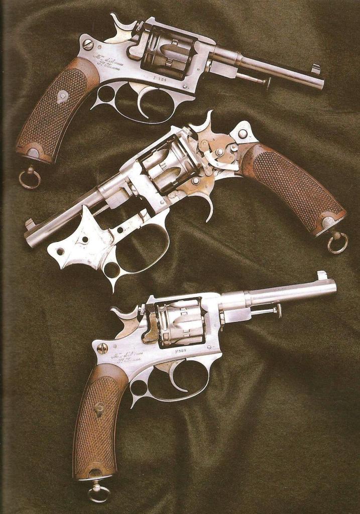 Revolvers d'ordonnance modèle 1887 contrat militaire
