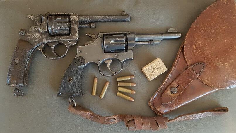 Comparaison revolver modèle 1892 Saint Etienne et 92 Espagnol (Hermanos Orbea)