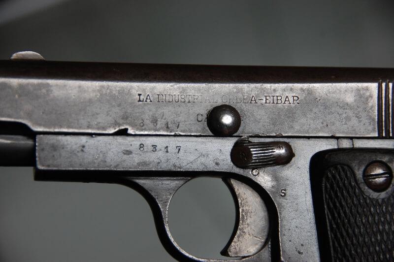 pistolet automatique type Ruby (7.65) fabriqué par La Industrial Orbea - Eibar
