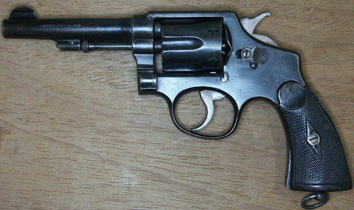 Revolver 8mm Hermanos Orbea Espagnol sans marquage sur le canon.