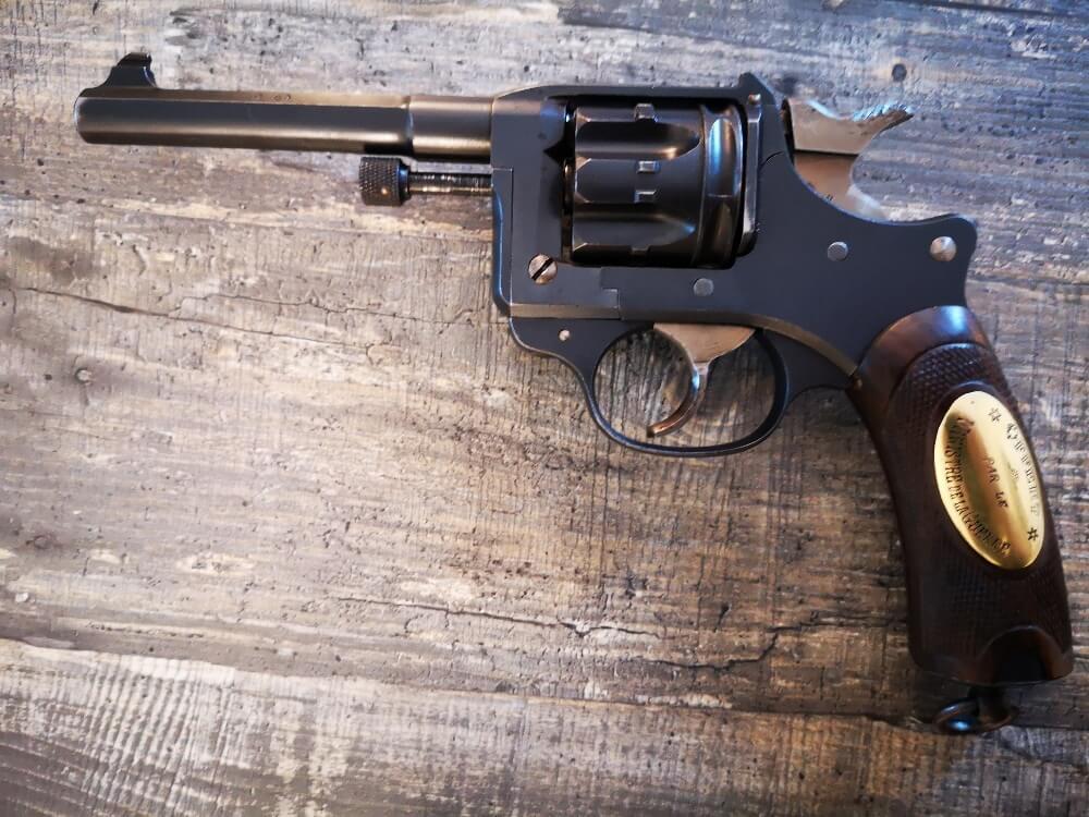 Revolver 1892 MAS Offert par le Ministère de la Guerre