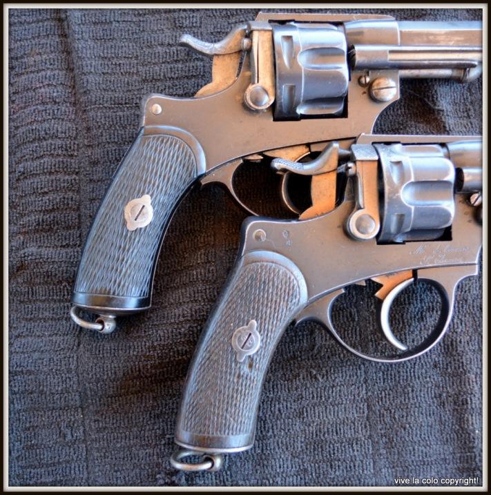 Revolvers modèles 1874 et modèle commercial: plaquettes