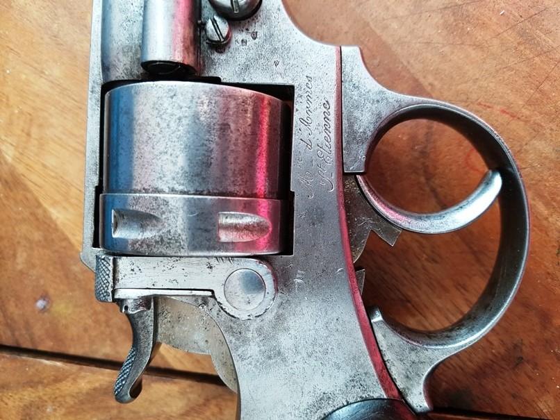 démontage revolver modèle 1873: Fermer la portière