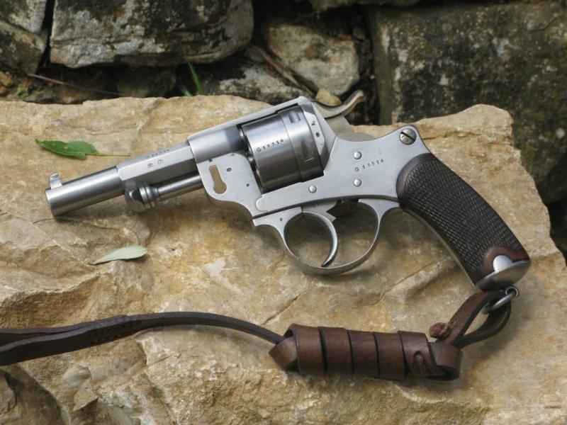 Revolver modèle 1873 et sa dragonne