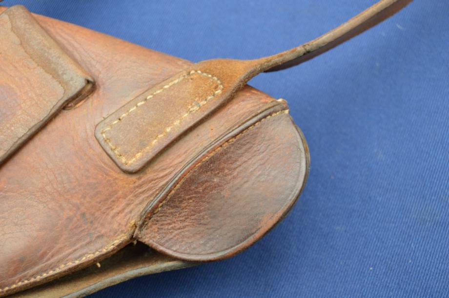 étui précoce pour revolver modèle 1873: bretelle cousue
