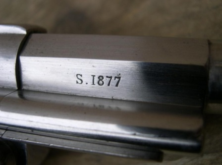 marquage de l'année sur le canon du revolver mle 1873
