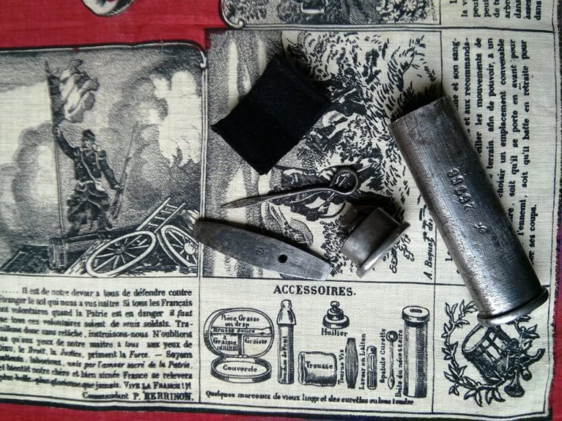coin en bas à gauche du mouchoir d'instruction numéro 1 sur le revolver 1873
