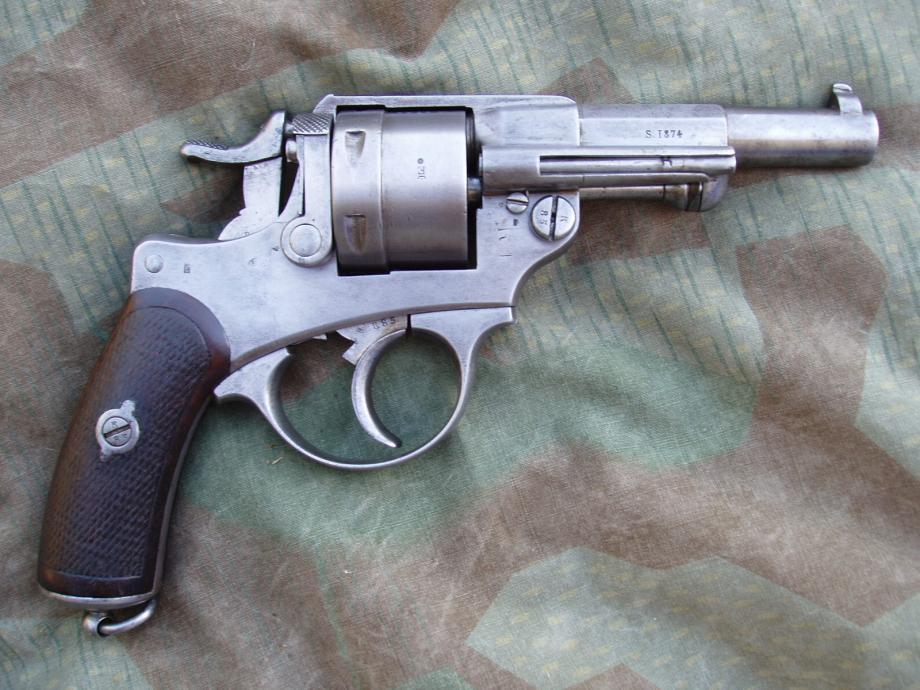 Revolver 1873 de la série X, vu de droite